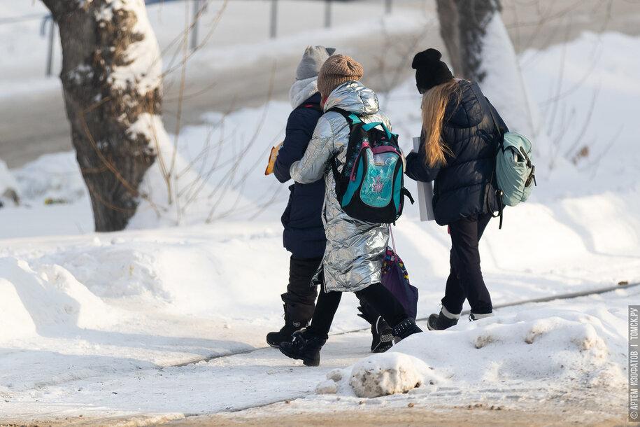 ГИБДД: юные пешеходы ведут себя на дорогах, как их родители