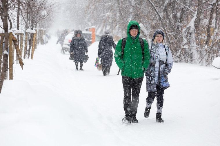 Обильный снегопад в Томске продлится еще два дня