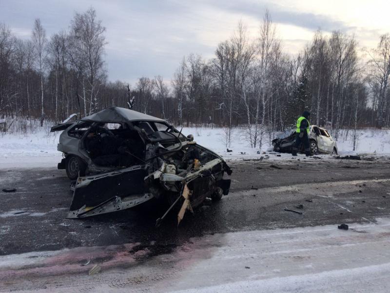 Один человек погиб и 11 пострадали сегодня в двух дорожных авариях