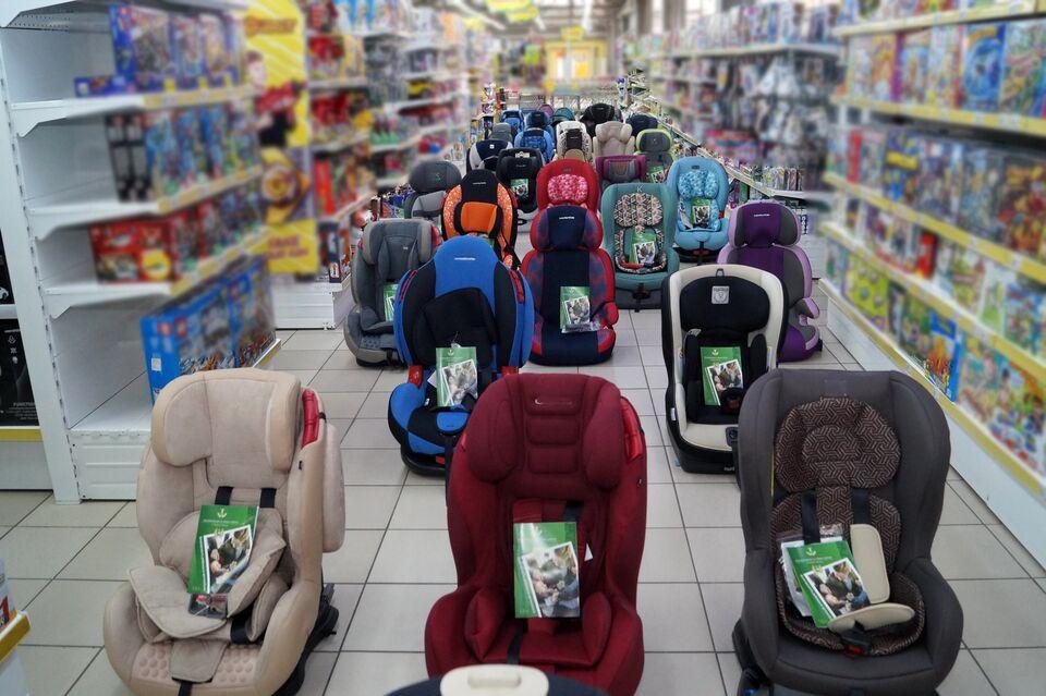 Сотрудники ГИБДД «бросают вызов» нарушениям правил перевозки детей