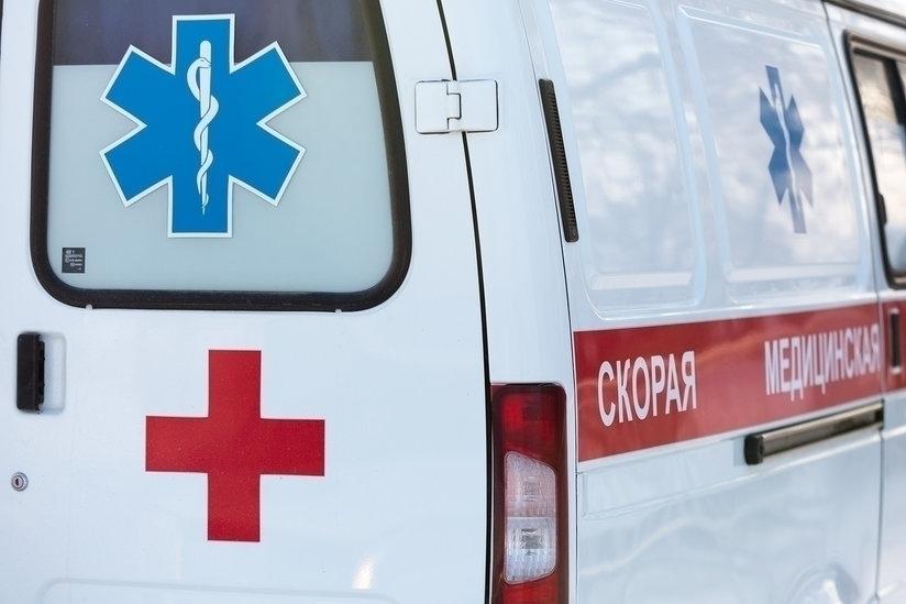 Двое взрослых и маленький ребенок попали в больницу после пожара