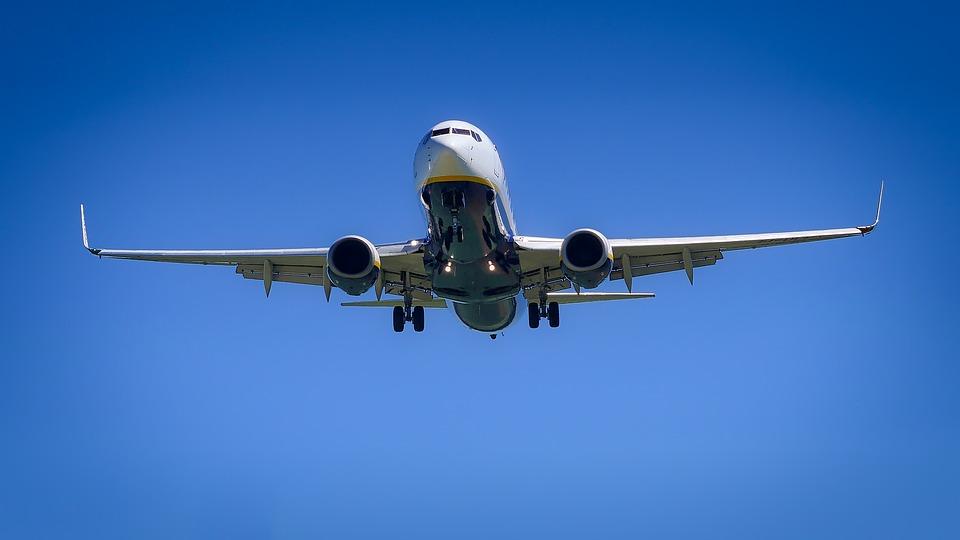 Все ли гайки закрутили: пассажиры боятся лететь после переноса рейса