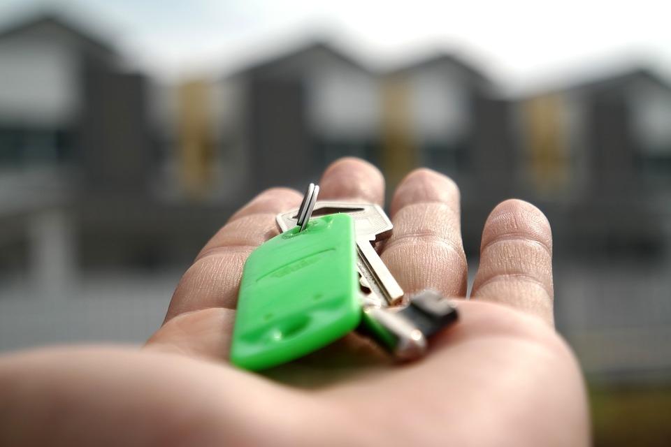 Многодетная семья из Томска выиграла в лотерею двухкомнатную квартиру