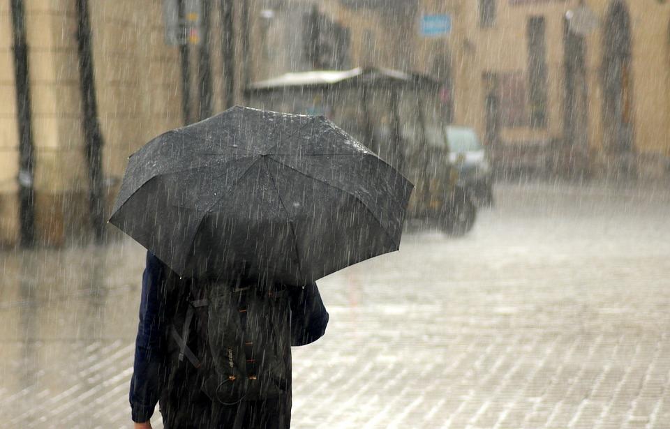 МЧС предупреждает о резком ухудшении погоды в понедельник