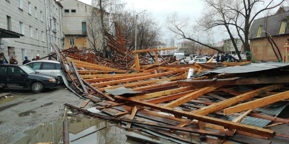 Подрядчик должен до конца мая завершить монтаж крыши на Нижне-Луговой
