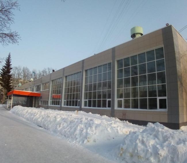 Сибирский кадет на спор выпрыгнул со второго этажа