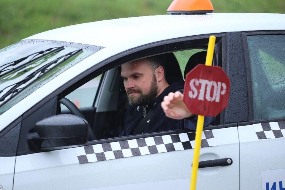 В Томске выбрали лучшего водителя среди таксистов