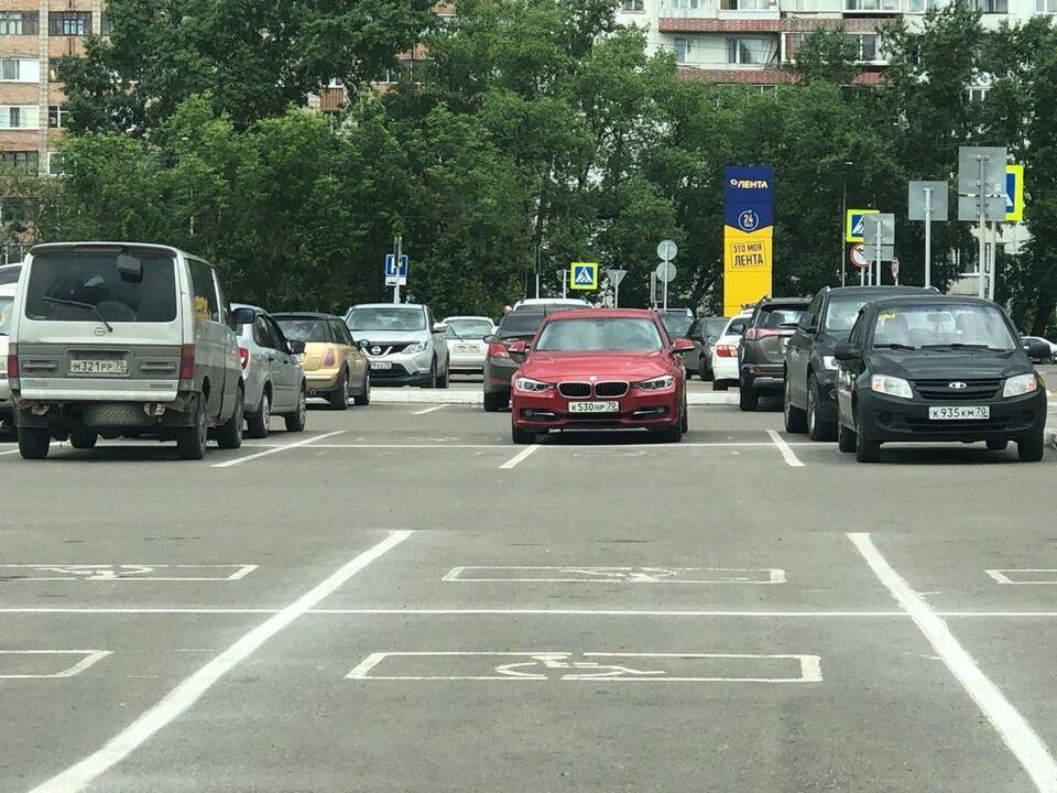 Мастера томской парковки: рецидив на Фрунзе и снова герои газона