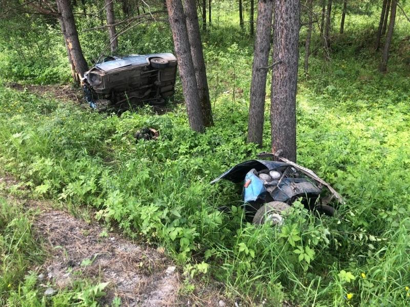 ДТП: автомобиль выехал на встречную полосу и вылетел в кювет