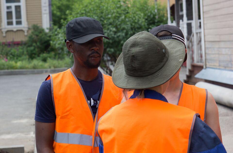 В томском стройотряде работает студент из Камеруна