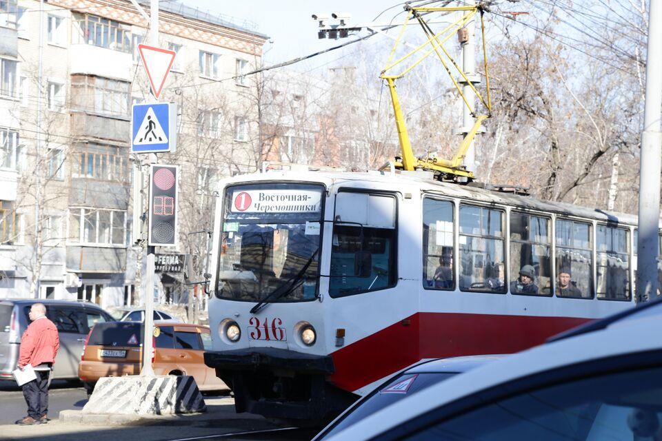 В Томске заасфальтируют часть дороги рядом с трамвайными рельсами