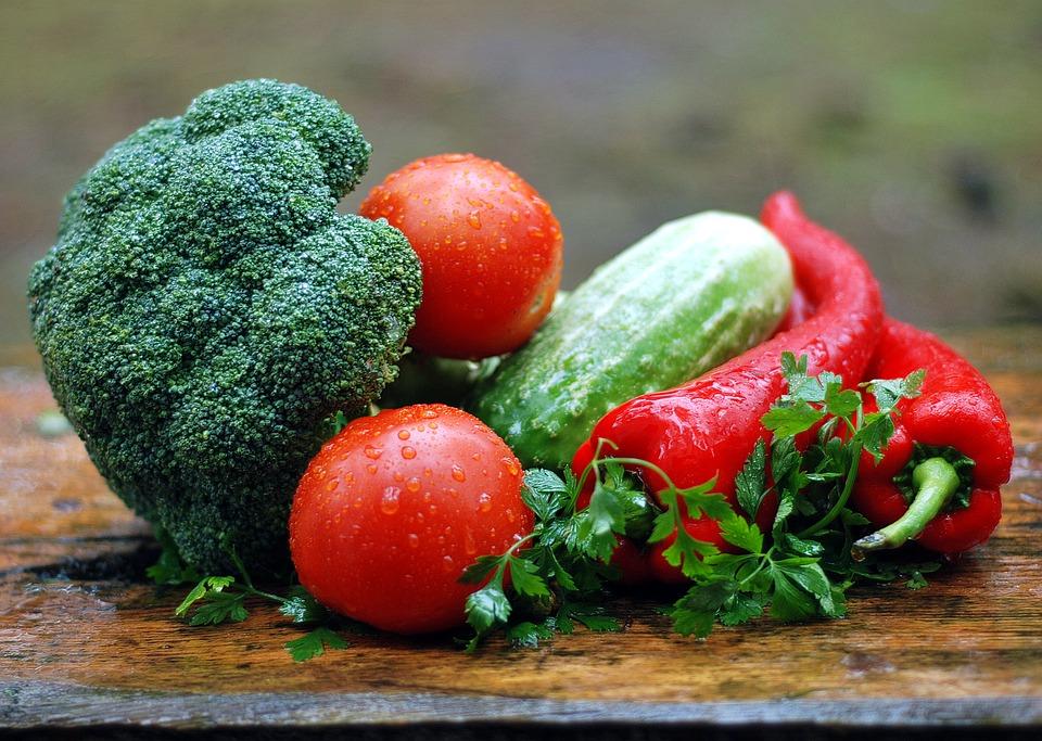 Ученые рассказали о 5 овощах, употребление которых вредит здоровью