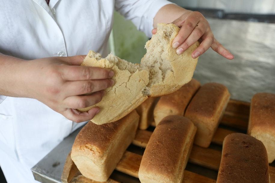 Грязные цеха и оборудование: как в Томске делают хлеб