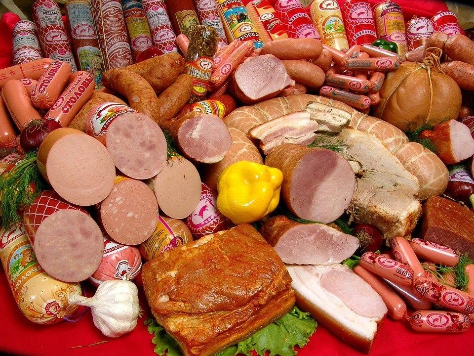 Эксперты рассказали, чего не должно быть в вареной колбасе