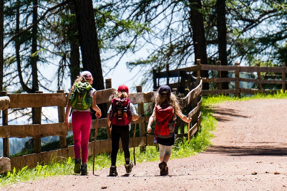 Эксперт: Безопасный детский туризм —  его отсутствие