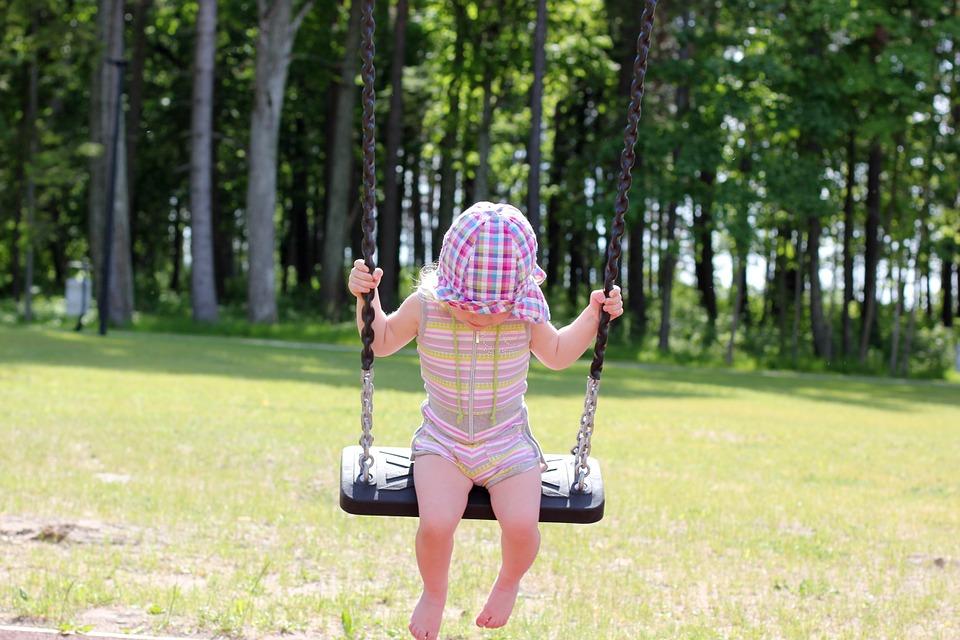 Эксперты составили рейтинг самых опасных детских развлечений