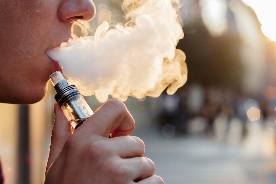 Минздрав против электронных сигарет: ведомство проанализирует вейпы