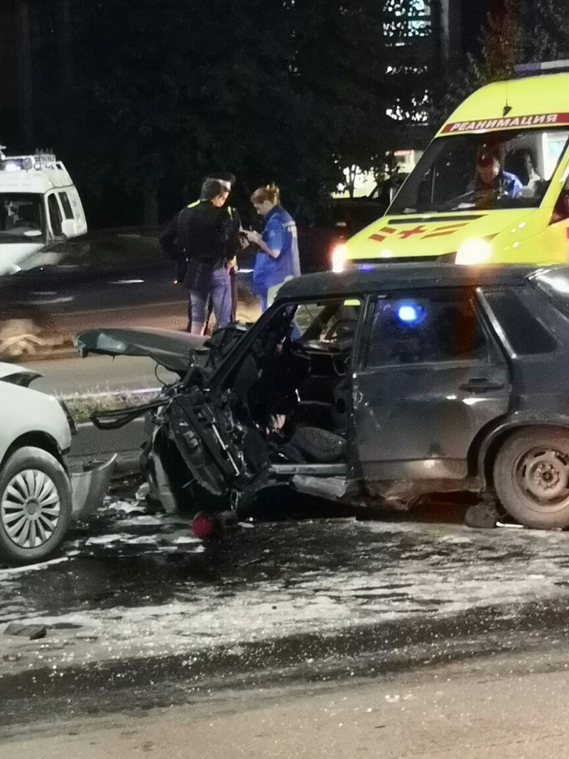 Несколько автомобилей «расхлестались» на Пушкинской развязке