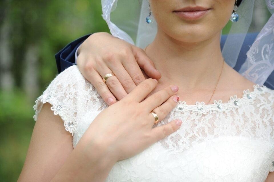 Красивую сентябрьскую дату для свадьбы выбрали более 50 пар