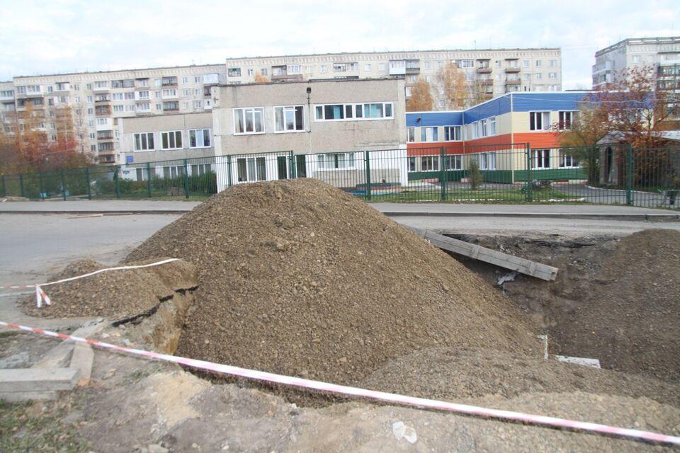 Опасная дорога: в школу через раскопки или гаражи