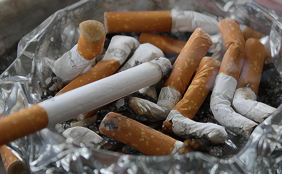 Родителей курящих школьников будут штрафовать и арестовывать