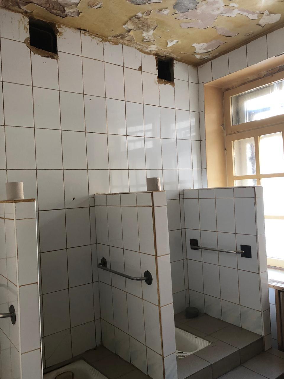 Обвалившийся потолок и плесень: омбудсмен проверила больницу