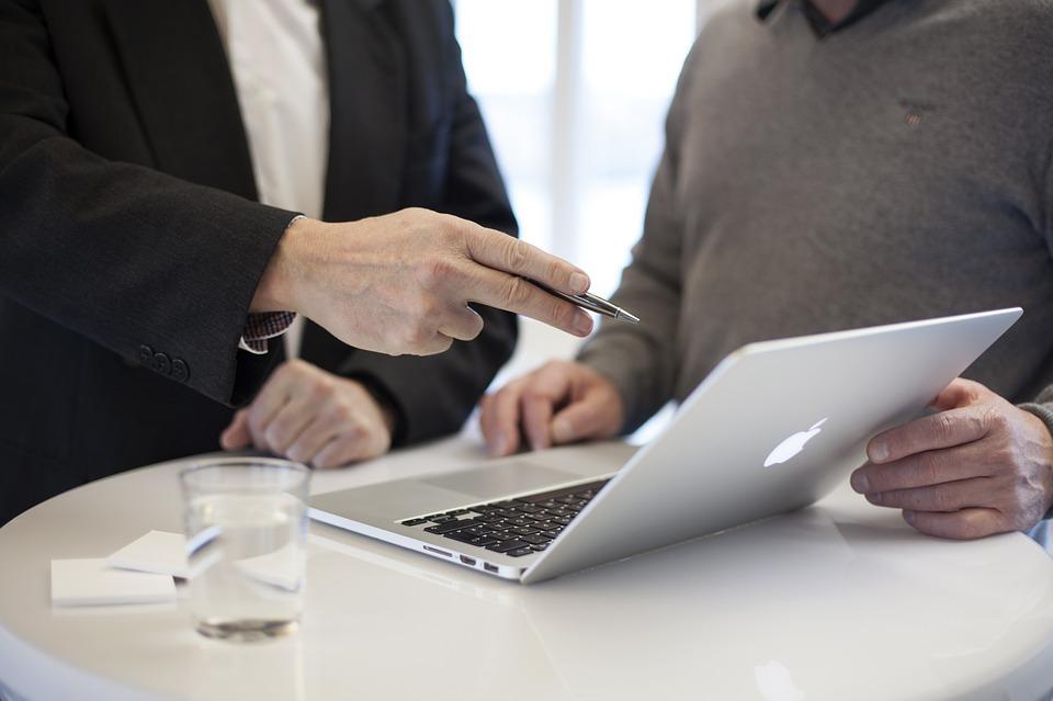 Треть томских работодателей ищут сотрудников определенного пола