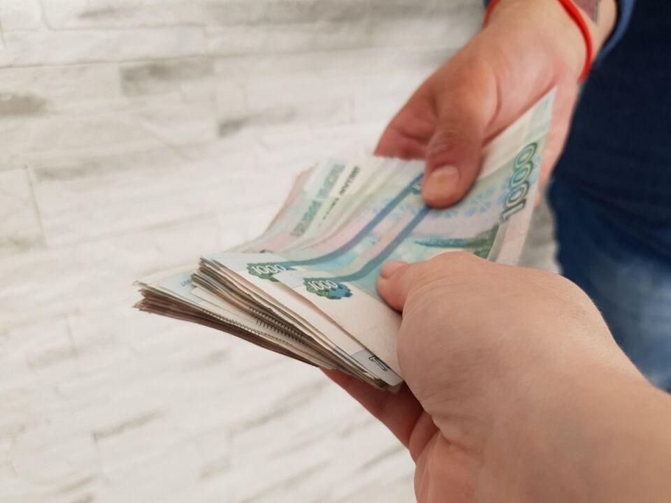 За съезд с сибирской трассы рэкетиры требуют 300 тысяч рублей