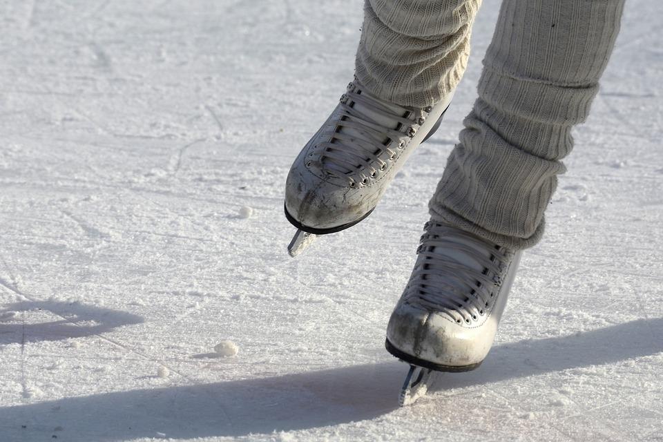 На Белом озере в Томске заработал ледовый каток