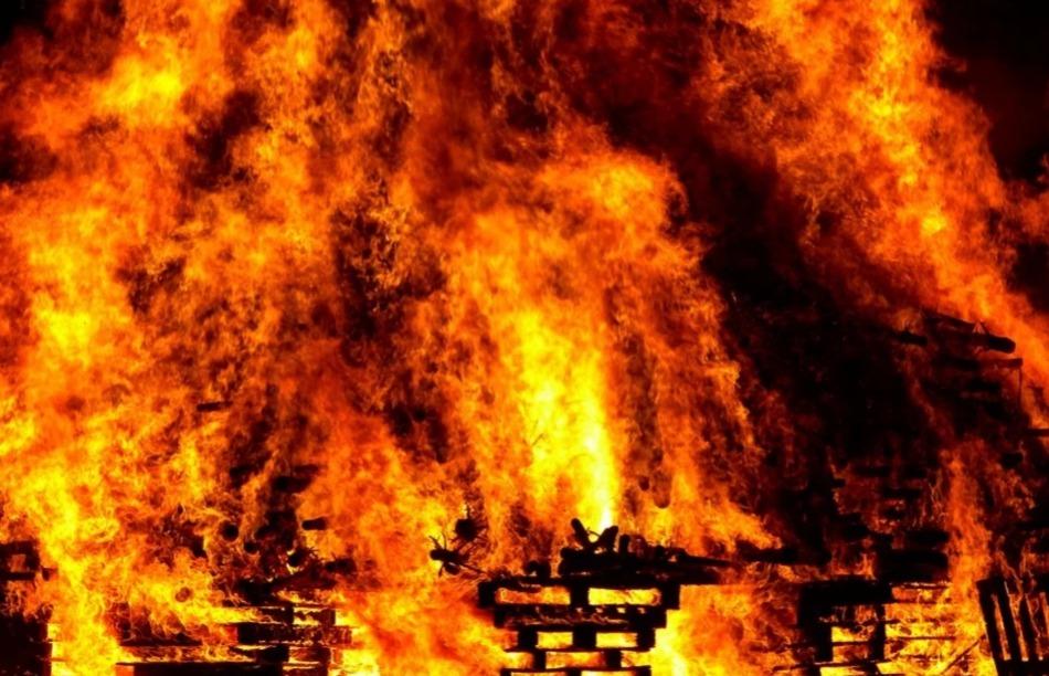 В Томской области при пожаре погиб человек