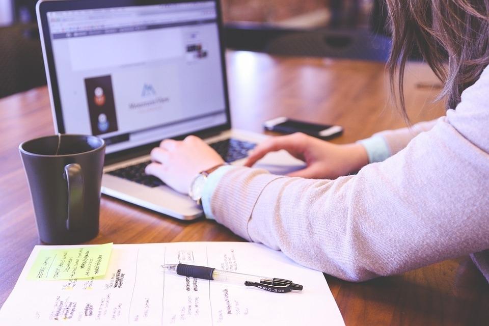 Зарплата и близость к дому: что мотивирует томичей на работе?