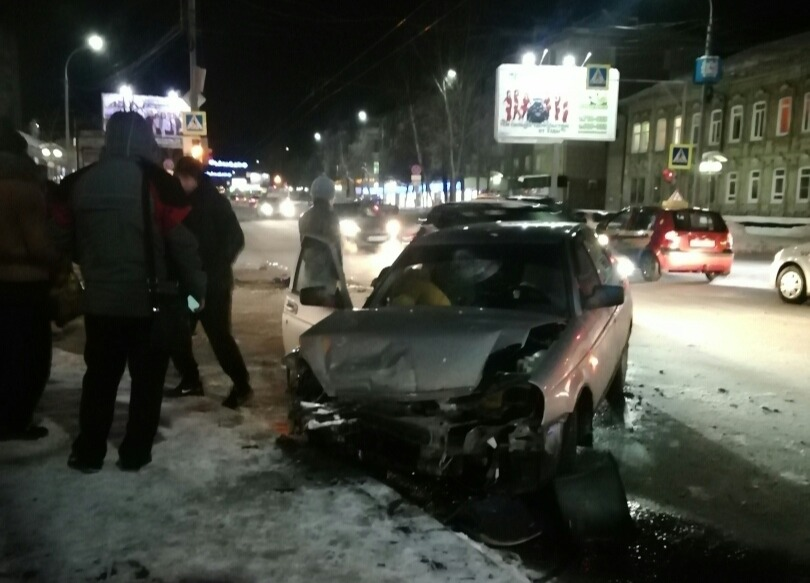 В центре Томска произошло серьезное ДТП