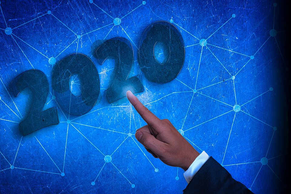 Без свадьбы, переезда и новой работы: прогноз астролога на 2020 год