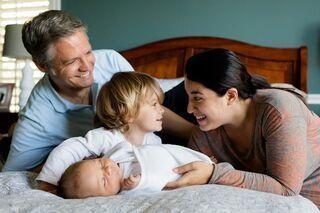 Повысит рождаемость и укрепит семьи: депутаты назвали плюсы карантина