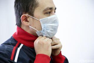 Роспотребнадзор: эффективность масок при большом скоплении людей не доказана