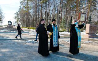 Священнослужители окропили Томск святой водой для избавления от коронавируса