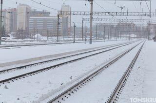 ДТП на путях: поезд врезался в трактор, нарушивший правила переезда