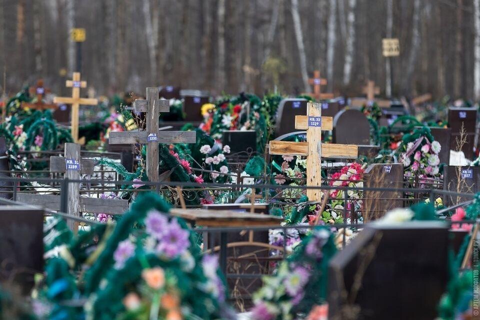 Автобусы не будут заезжать на кладбища в Родительский день