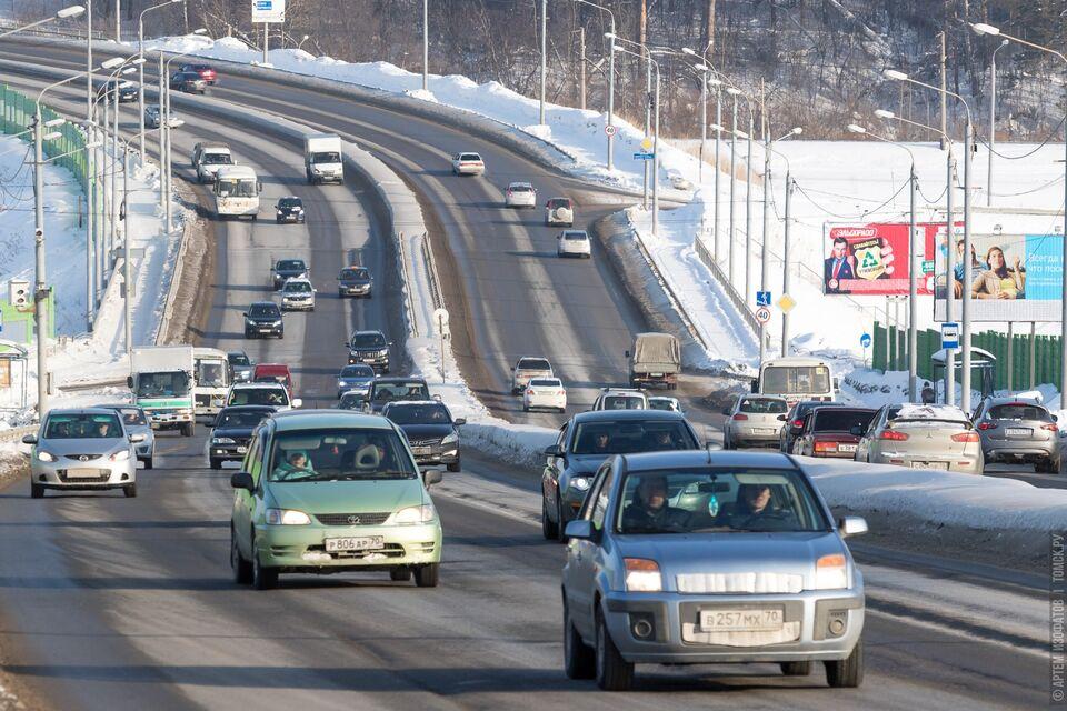 Власти: количество машин, которые въезжают и выезжают из Томска сократилось в 5 раз