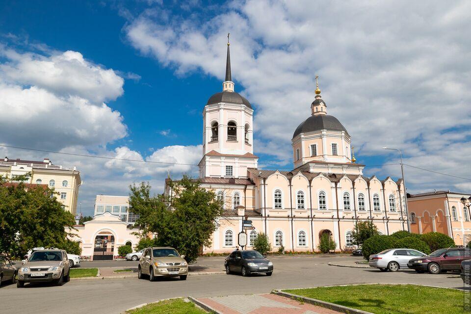 Храмы в России хотят открыть для прихожан