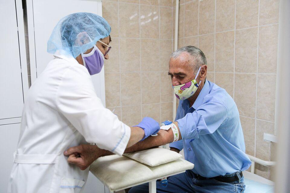 Деев: большинство пациентов выделяют вирус на 5-7 день после контакта с зараженным