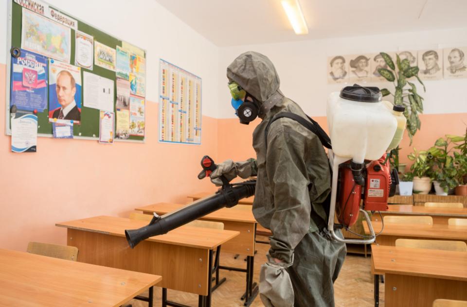 В Сибири начали обрабатывать школы перед ЕГЭ