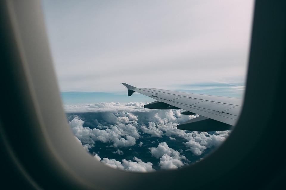 Российские авиакомпании назвали примерную дату возобновления зарубежных рейсов