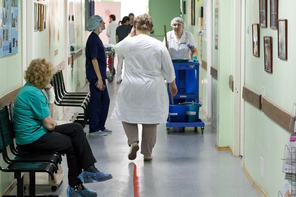 Уборщикам в респираторных госпиталях выплатят стимулирующие из областного бюджета