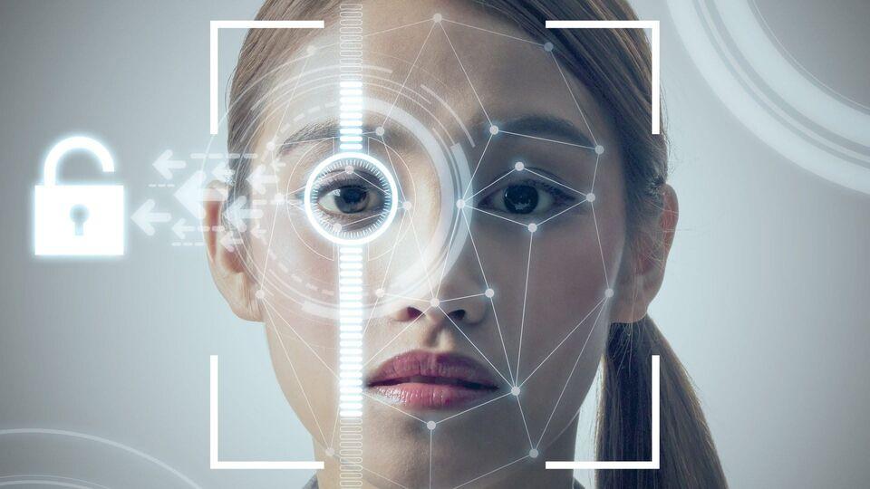 Эксперты рассказали о сложностях обмана системы распознавания лиц