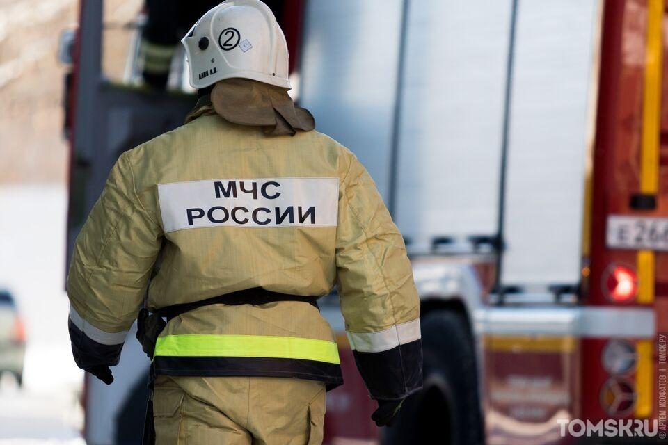 Внедорожник загорелся в центре Томска