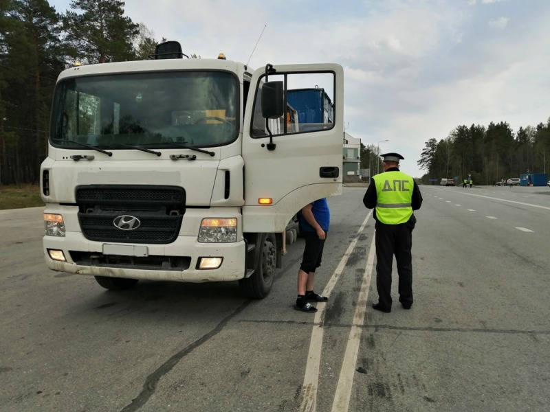 В регионе идут массовые проверки грузового и пассажирского транспорта
