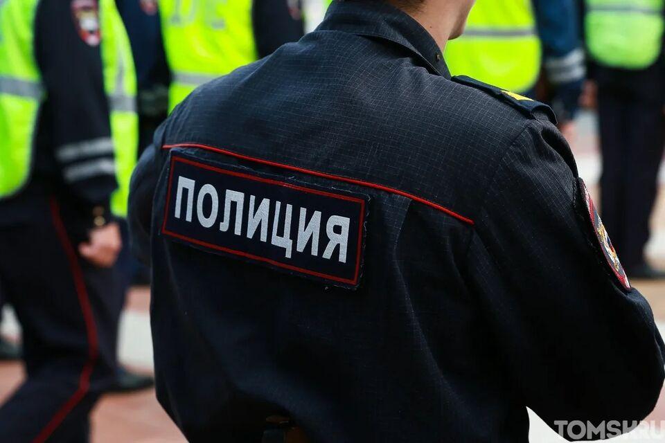 Нетрезвые пассажиры и водитель авто набросились на полицейских в Томском районе