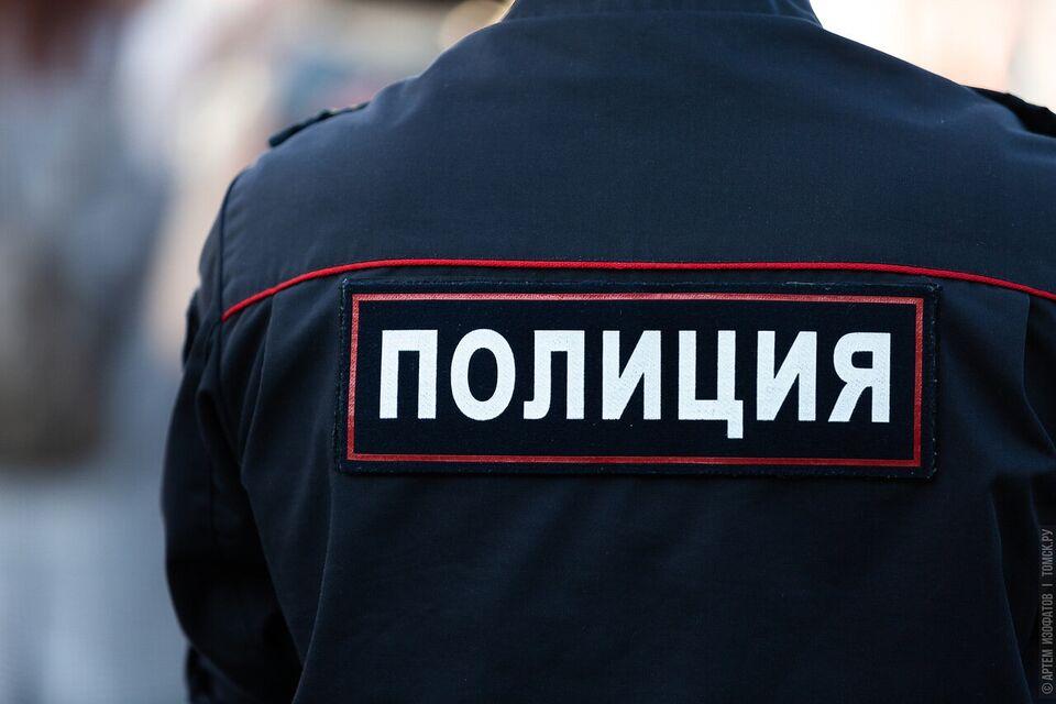 Очевидцы сообщили о работе полиции возле томской гимназии