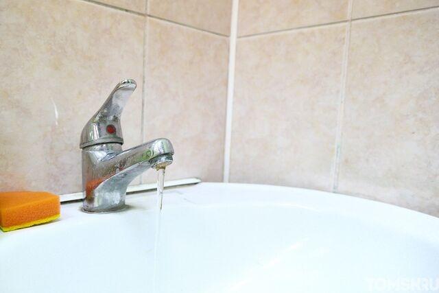 В 51 доме Октябрьского района досрочно включили горячую воду